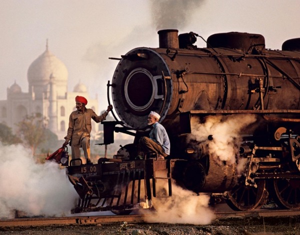 Trains by Steve McCurry